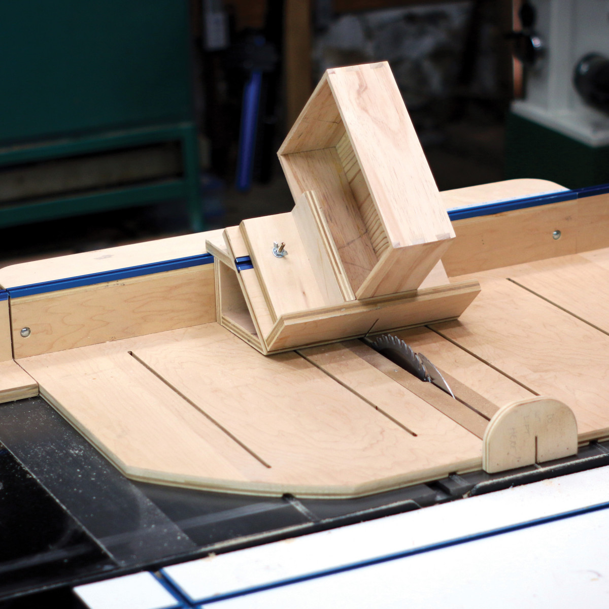 Crosscut Sled Jigs | Popular Woodworking Magazine