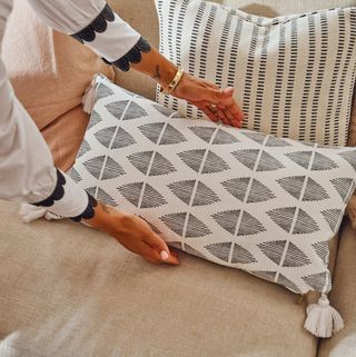 Geo Tassel lumbar cushion cover
