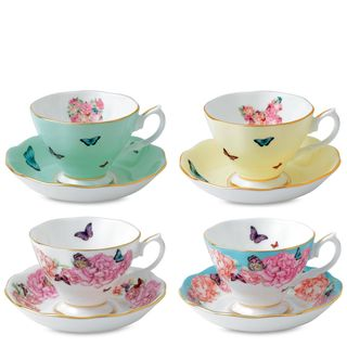 Tea Cup and Saucer Service for 4