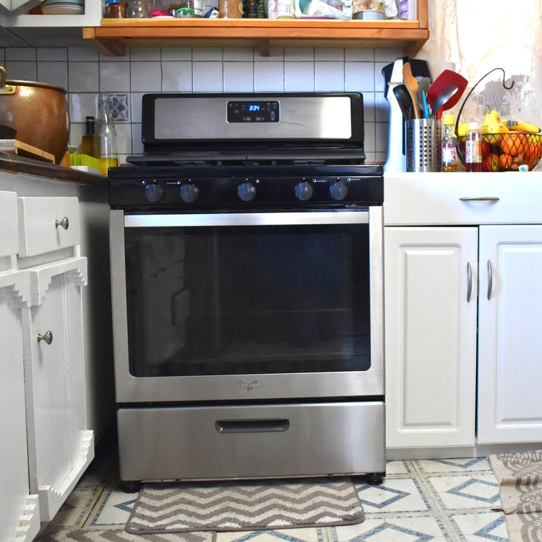 Whirlpool WFG505M0BS Freestanding Gas Range Review