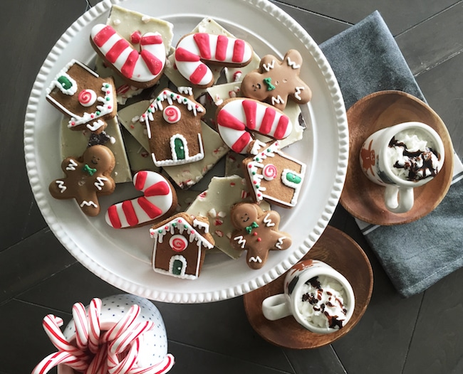 Spread the joy and joy this year with adorable holiday treats!