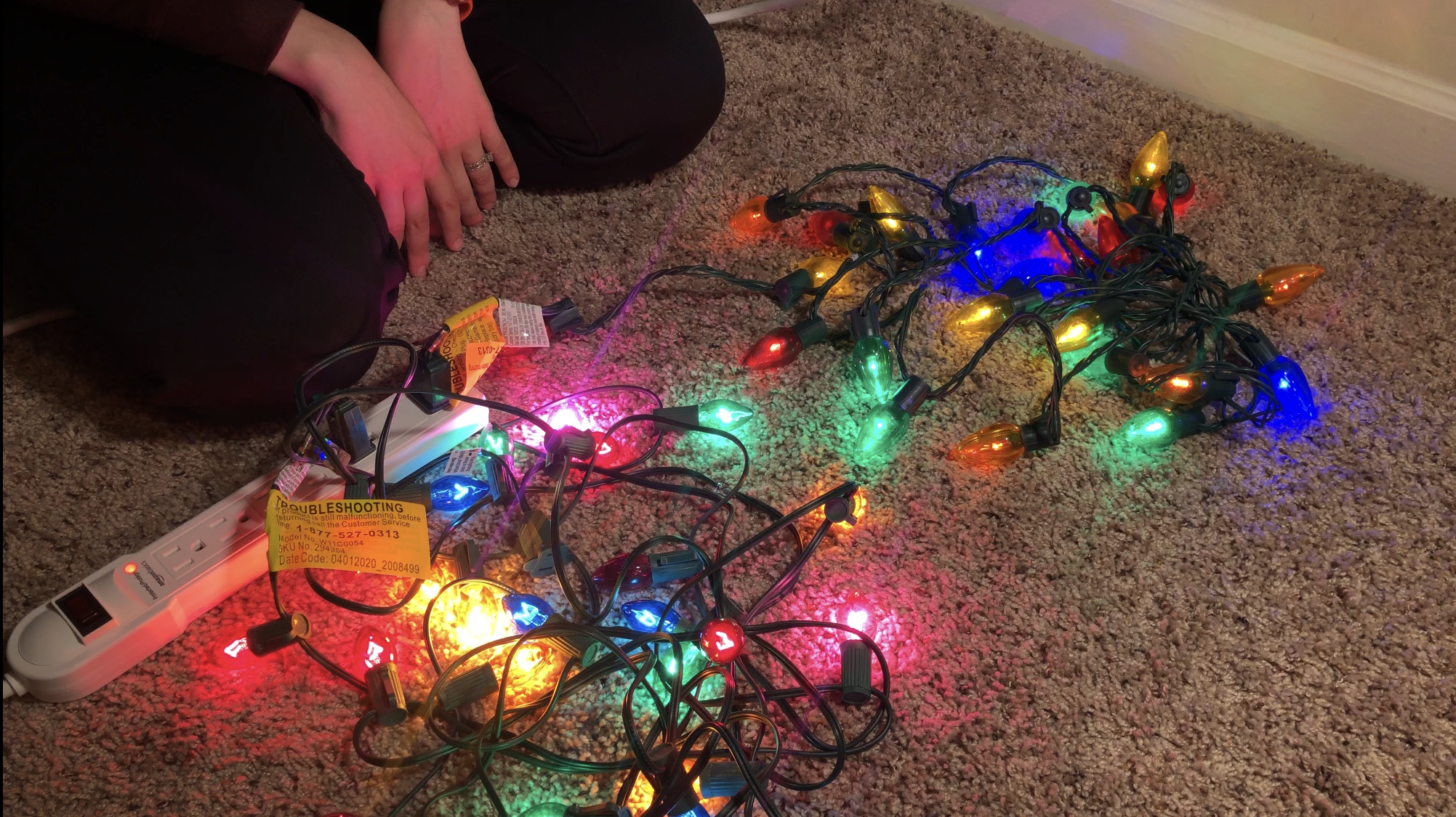 Comparing incandescent and LED Christmas lights
