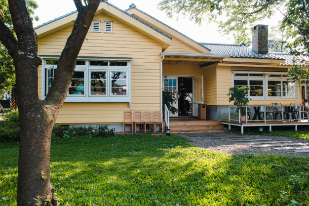 You Should Know Before Buying an Older Home