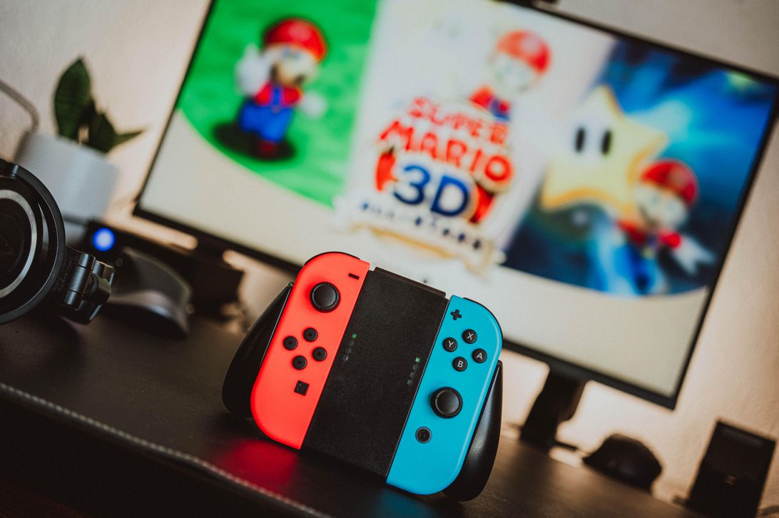 Nintendo Switch controller and screen showing Super Mario 3D All Stars