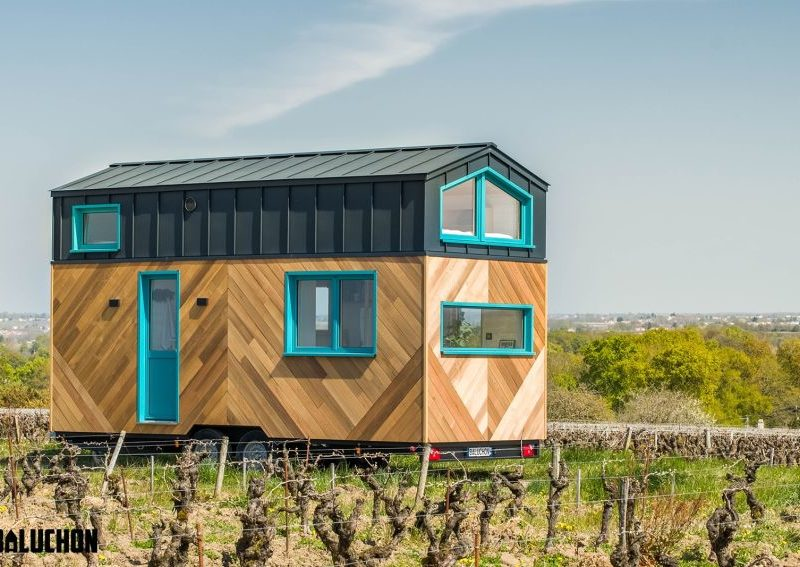 Baluchon's new Tiny House has Netted Floor to Connect Loft Bedrooms