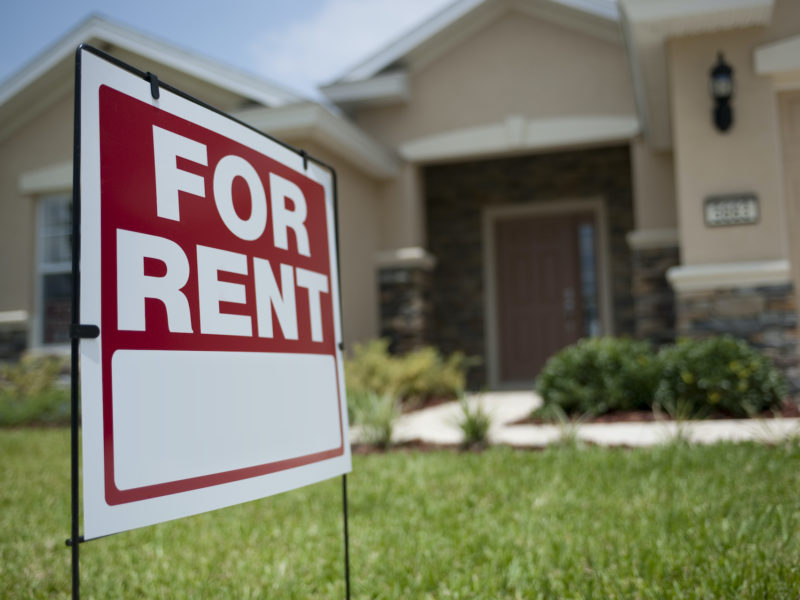 Should I Rent a House or Apartment?