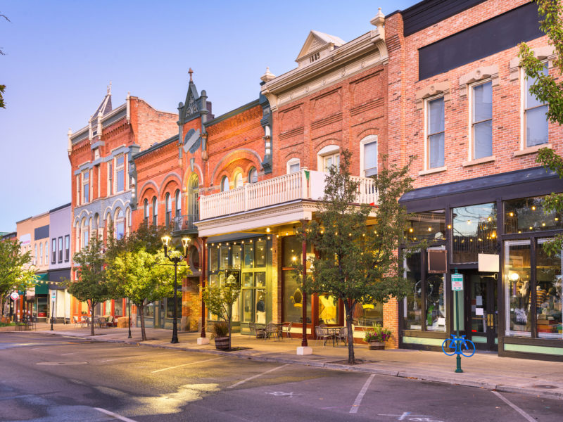 What to Consider Before Renting an Apartment Above a Store