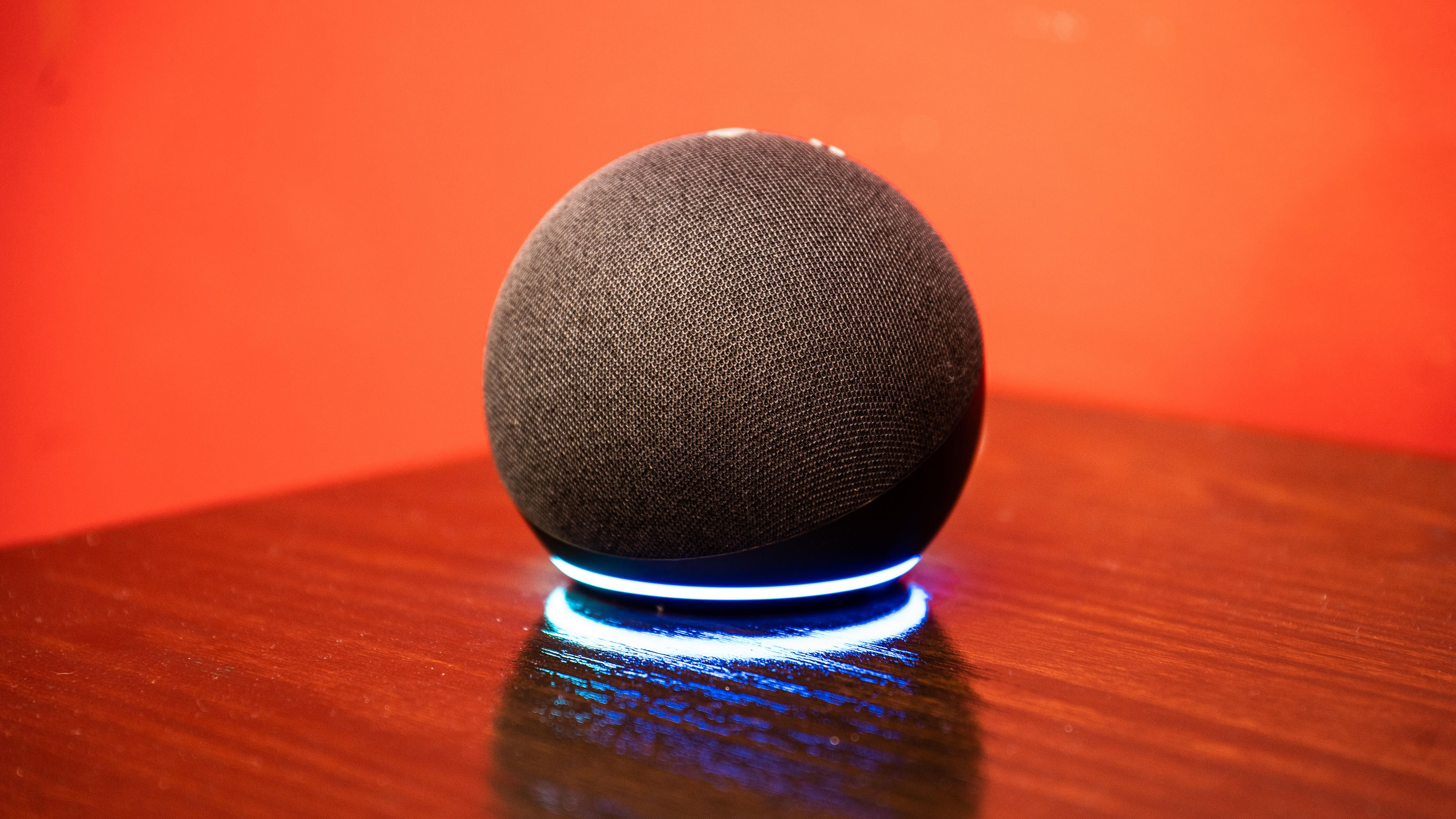 amazon-echo-dot-and-dot-with-clock-2
