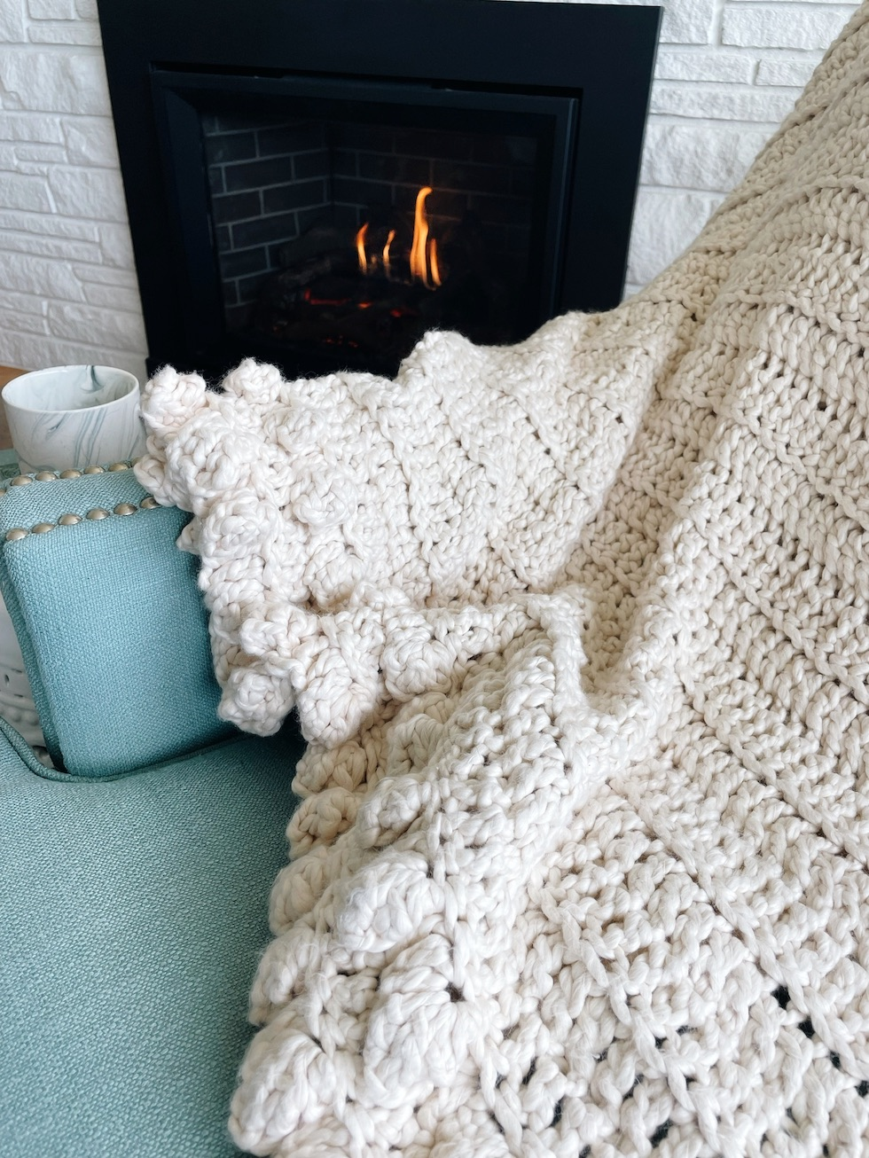 A cozy blanket for fall (+ gift)